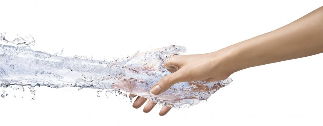 Liquid_Hand_by_FLC_Helsinki